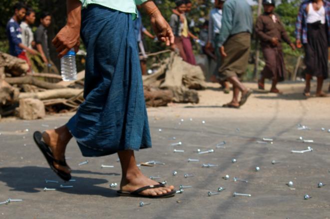 Premier jour de répression à Salin, Haute-Birmanie, où deux personnes ont été abattues et plus d'une dizaine blessées lors d'un assaut de la police, le 3 mars 2021. © Collectif The Myanmar Project