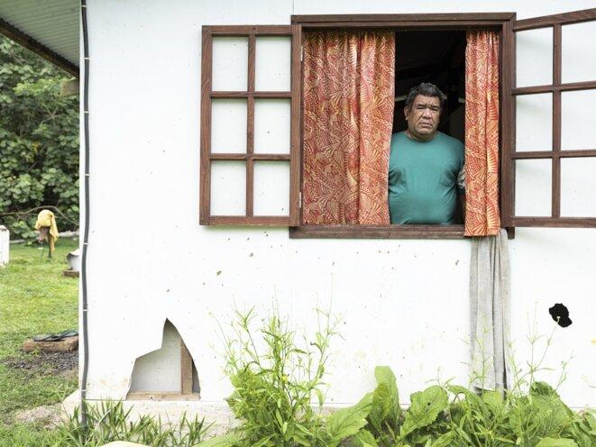 Portrait de Utinio Tu, une des 63 victimes polynésiennes reconnues par l'État français. © Mathieu Asselin / Disclose