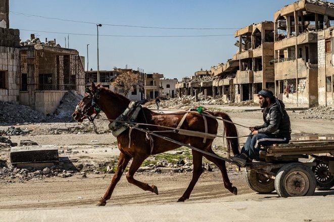 En la ciudad de Raqqa, el 26 de febrero de 2021. © Delil Souleiman/AFP