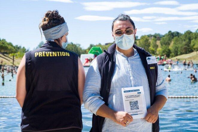 Une action de prévention l'été dernier sur une base de loisirs de Monclar-de-Quercy, dans le Tarn-et-Garonne. © Patricia Huchot-Boissier/Hans Lucas/AFP