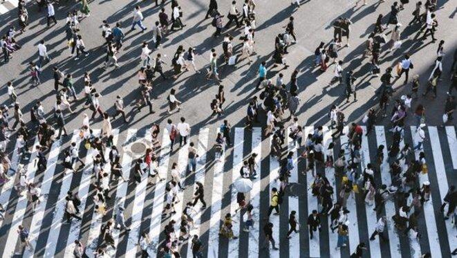 L'utilisation de plateformes de RV pour aider les personnes autistes ou ayant une déficience intellectuelle à effectuer des activités de la vie quotidienne, comme traverser la rue en toute sécurité, suscite un intérêt croissant.