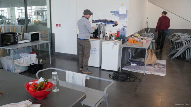 La cuisine improvisée ne manque pas d'allure © Georges-André Photos