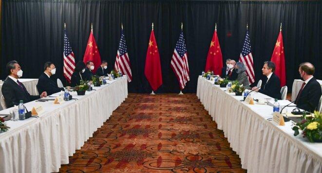 La rencontre entre les délégations chinoise et américaine le 18 mars à Anchorage (États-Unis). © Frederic J. Brown/pool/AFP
