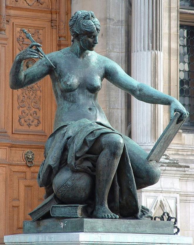 Allégorie de la Science, par Jules Blanchard, 1882, parvis de l'Hôtel de Ville de Paris