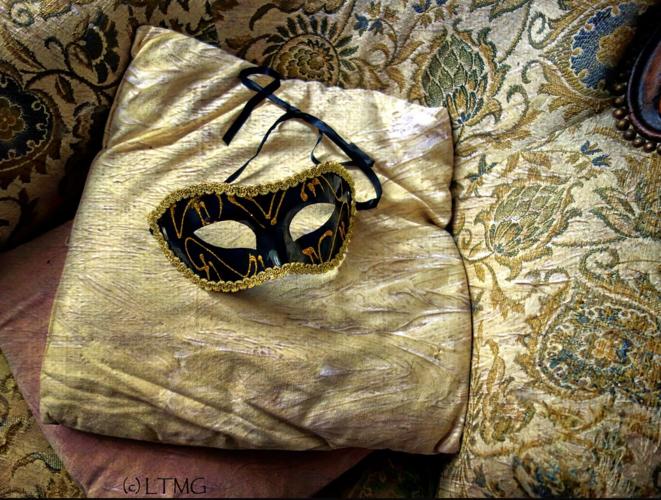 Masquerade II Mascarade II © Luna TMG Flickr