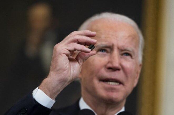 Joe Biden lors de l'annonce du plan gouvernemental de soutien à l'industrie des semi-conducteurs, le 24 février. © Getty Images /AFP