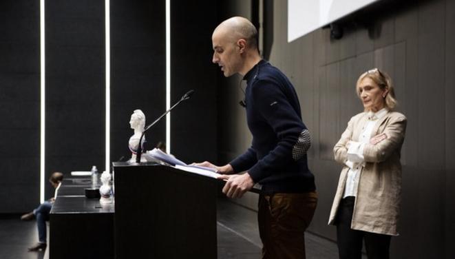 Maxime Renahy à la remise d'un prix par l'association Anticor en 2020. © DR