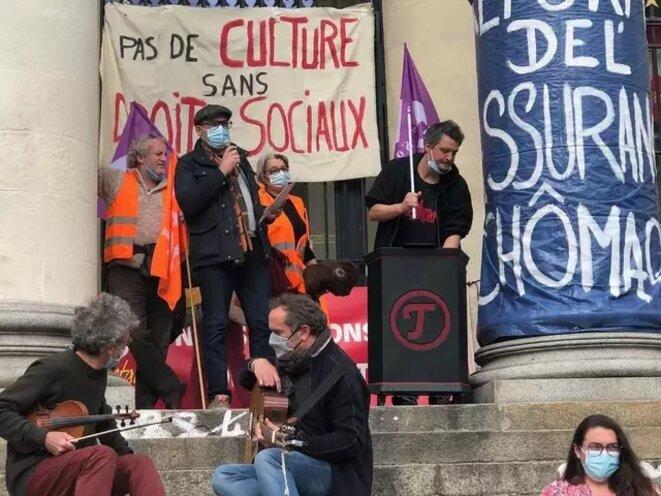 Nantes, intervention des travailleurs sociaux à l'Agora [Ph. Ouest-France]