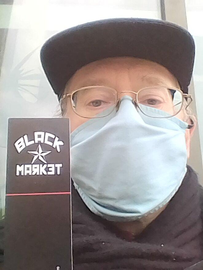 Black Market, une association culturelle anar réunissant un bar et une librairie