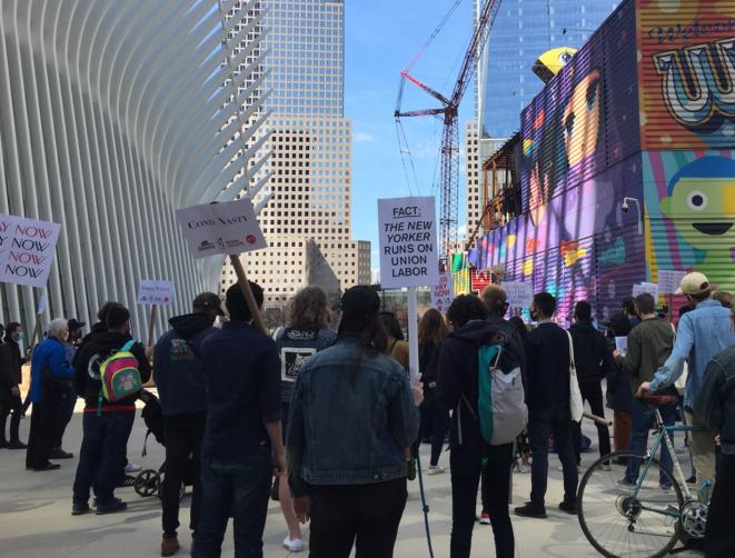 Manifestation samedi 27 mars non loin du siège du « New Yorker ». © AB