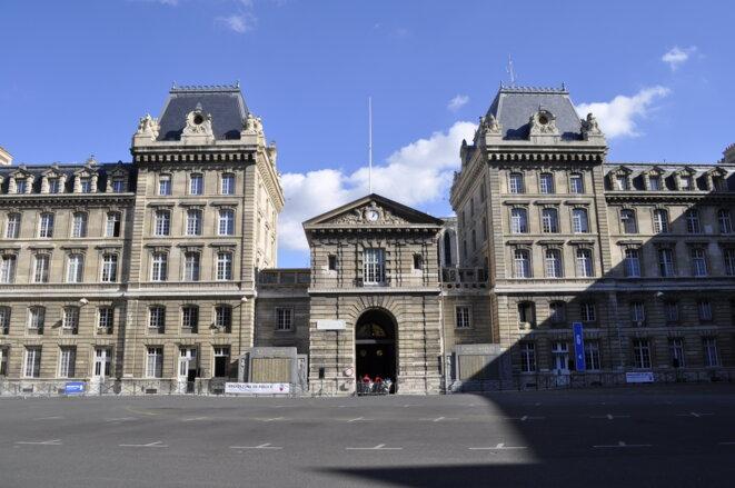 Préfecture de police de Paris.