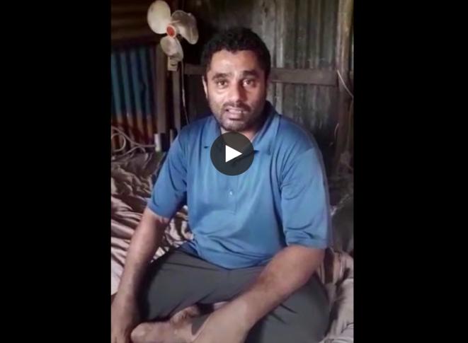 Un demandeur d'asile yéménite dans son habitation de fortune à Mayotte. © Capture d'écran - Vidéo Lamar initiative