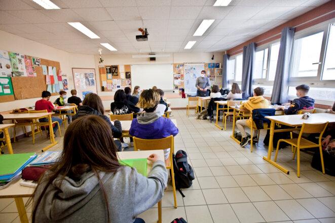 À Briançon, dans les Hautes-Alpes, dernier jour de cours en présentiel au collège avant le troisième confinement, le 02 avril 2021. © Thibaut Durand/Hans Lucas/AFP