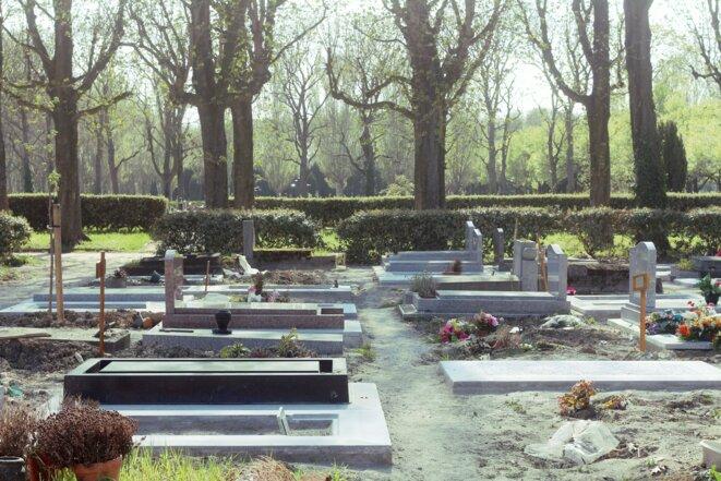 L'une des divisions du cimetière parisien de Pantin où ont été enterrées les personnes décédées du Covid-19 en 2020. © MG