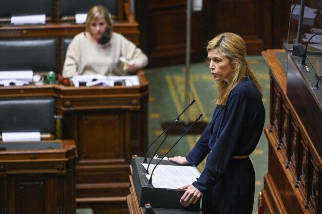 La ministre de l'intérieur Annelies Verlinden au Parlement fédéral à Bruxelles, le 31 mars 2021, lors d'un débat préparatoire sur la future loi Pandémie. © Laurie Dieffembacq / Belga via AFP