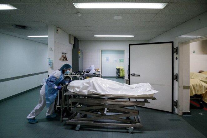 Chambre mortuaire à l'hôpital Bichat, à Paris, en janvier 2021. © Joel Saget / AFP
