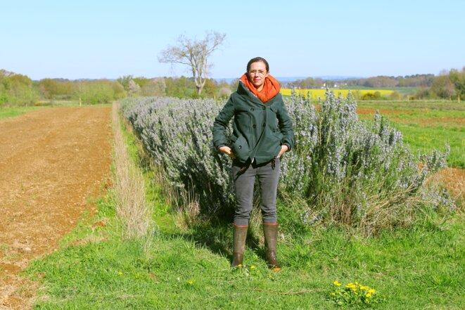 Claire Desmares-Poirrier, candidate pour les régionales, à Sixt-sur-Aff dans le Morbihan. © MG