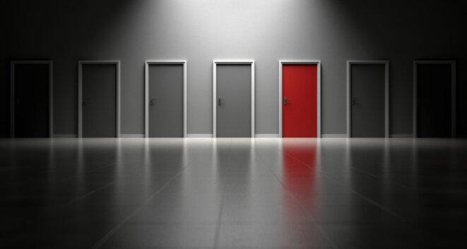 doors-1690423