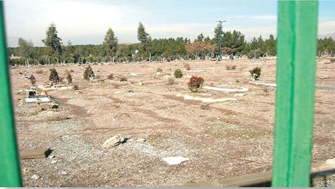 khavaran-cemetery-in-southern-tehran-mass-graves-believed-to-hold-many-of-those-political-prisoners-executed-in-1988-massacre