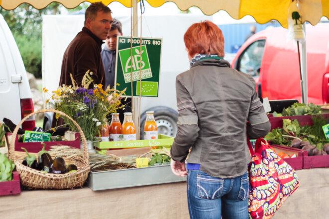 Producteur bio sur le marché © Loos-en-Gohelle
