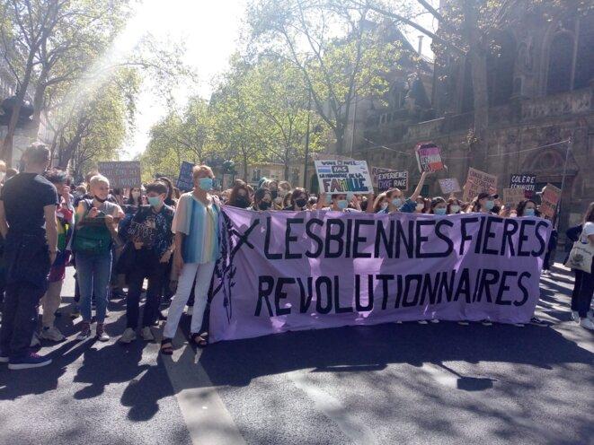 Cortège lesbien à la marche lesbienne, Paris, 25/04/21 © Marlène Ducasse