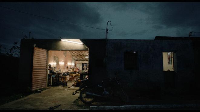 """En attendant le carnaval"" (Estou me guardando para quando o carnaval chegar) de Marcelo Gomes © JHR Films"