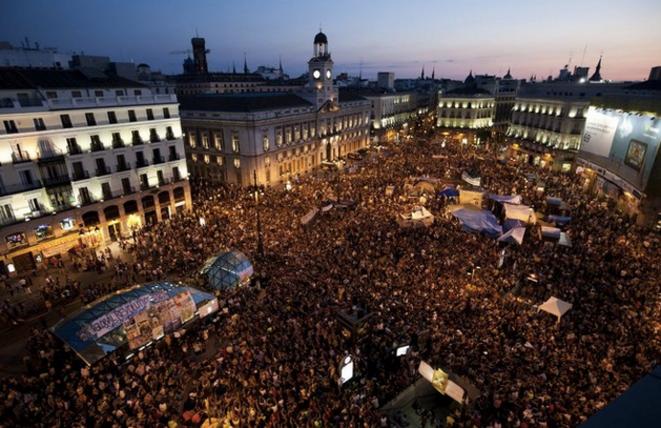 © Une mobilisation du 15M indigné, place Puerta del Sol à Madrid le 23 juillet 2011.