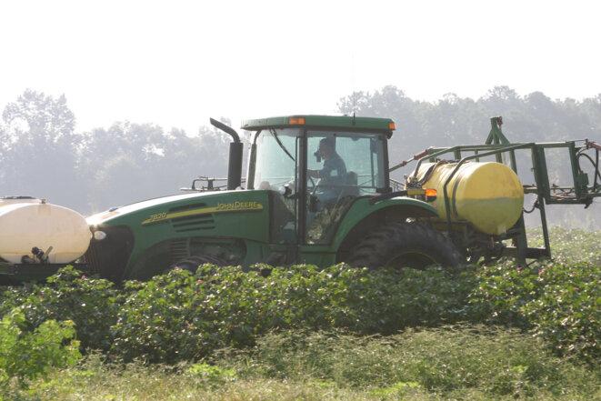 Pulvérisation agricole © Jay Oliver