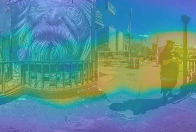Image adaptée de l'œuvre Pyramid Oracle Panorama de Nathan Tweti