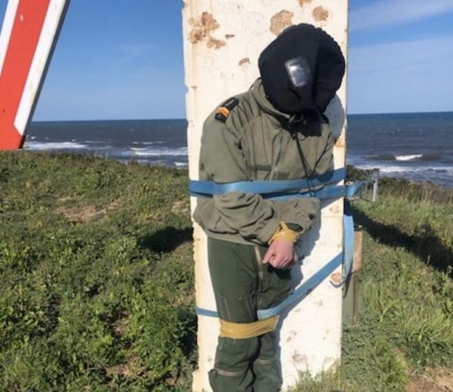 Photo du «bizutage» subi par un pilote de l'armée sur la base de Solenzara, en mars 2019. © DR