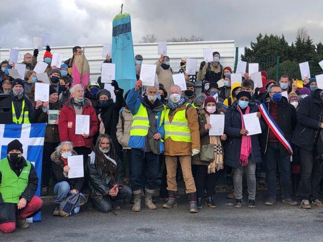 Des manifestants contre la bétonisation, en janvier 2021. © JL