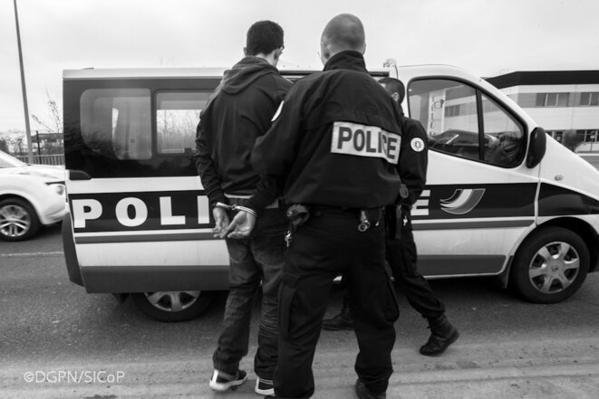 La police en grand danger © Alban De Ferris