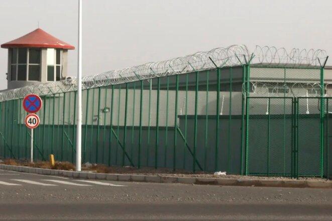 Un centre de détention dans le parc industriel de Kunshan à Artux, dans la région du Xinjiang (ouest de la Chine). Crédit: AP