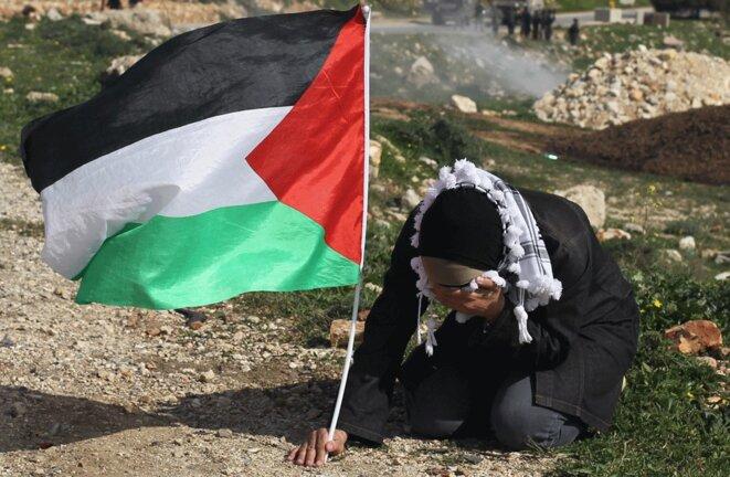 palestine-dame-drapeau