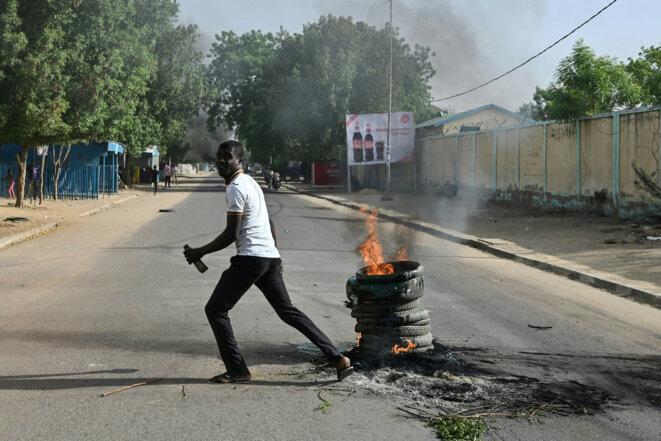 Lors d'une manifestation à N'Djamena (Tchad), le 27 avril 2021. © Issouf SANOGO / AFP