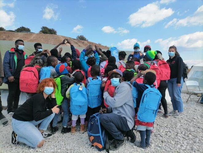 """Rad éducation au sein du nouveau camp """"Kara Tepe 2"""""""