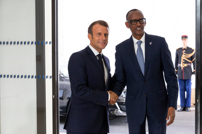 Emmanuel Macron et Paul Kagamé, en 2019, au sommet de Biarritz. © Rita Franca / NurPhoto via AFP