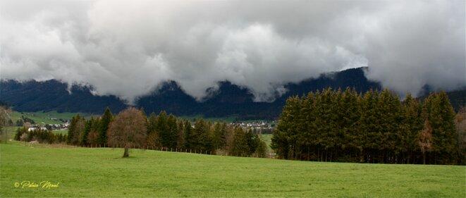 La nuée enveloppe la montagne © Patrice Morel (mai 2021)