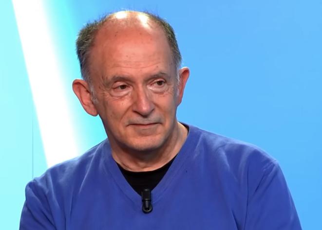 L'écrivain Hervé Le Corre sur le plateau d'«A l'air libre ». © DR/Mediapart