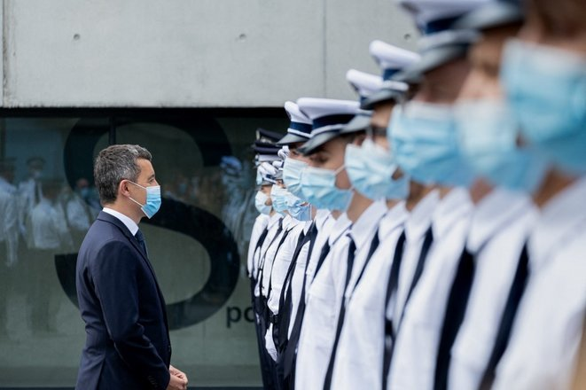 Gérald Darmanin en visite à l'hôtel de police de Lille, le 14 mai. © Célia Consolini/Hans Lucas via AFP