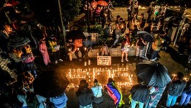 Veillée aux chandelles en mémoire de Lucas Villa, abattu à Pereira le 5 mai.