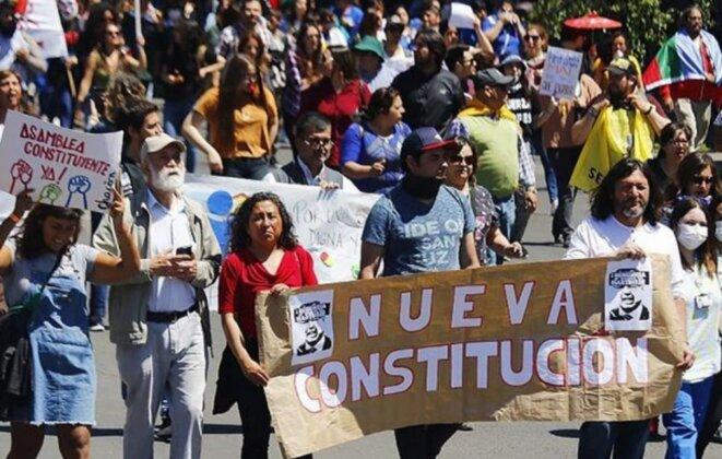 Manifestation pour une Assemblée Constitucional, libre et souveraine © argentinamunicipal.com.ar
