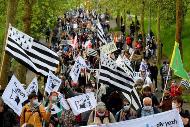 Dans les rues de Guingamp, le samedi 29 mai. © Jean-François Monier / AFP