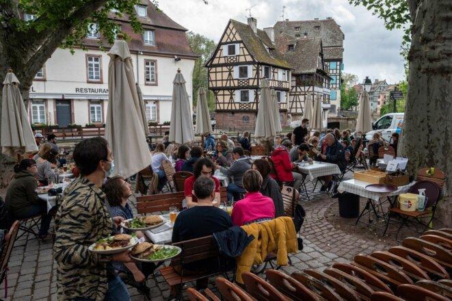 La réouverture des terrasses à Strasbourg, le 19 mai. © Patrick Hertzog / AFP