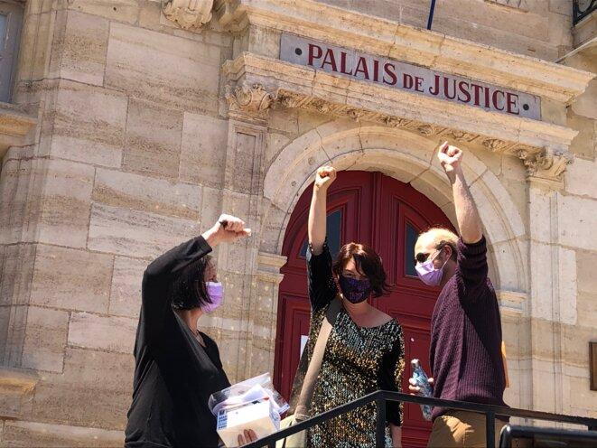 Sortie des prévenu·e·s du tribunal de Bar-le-Duc, le 1er juin 2021. © J.L.