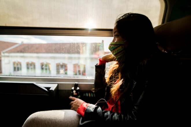 Une passagère de TGV avec son masque. © Stéphane Ferrer Yulianti / Hans Lucas via AFP