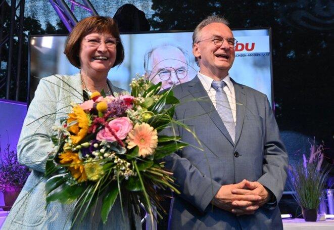 Reiner Haseloff, candidat de la CDU et son épouse à l'issue du scrutin régional, le 6 juin. © Bernd Von Jutrczenka / DPA / AFP