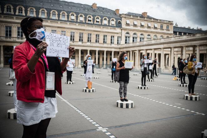 Une manifestation des guides-conférenciers devant le ministère de la culture, en juillet 2020. © Samuel Boivin / NurPhoto via AFP