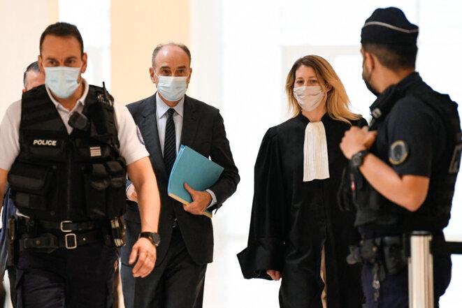 Jean-François Copé et son avocate au tribunal de Paris mercredi 9 juin. © Bertrand Guay/AFP