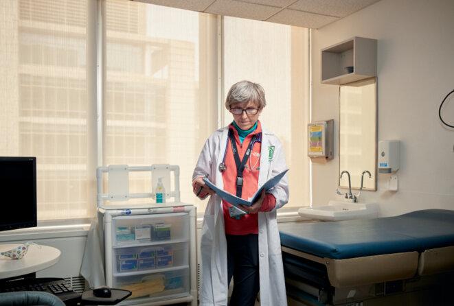 Le docteur Elizabeth Berry-Kravis au centre médical universitaire Rush de Chicago, dans l'Illinois. Une finalité : Berry-Kravis a consacré l'essentiel de sa carrière à trouver des traitements pour ses patients avec le syndrome de l'X fragile.